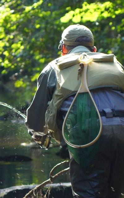 Pêche à la mouche sur le Léguer ©Jimmy Dorey
