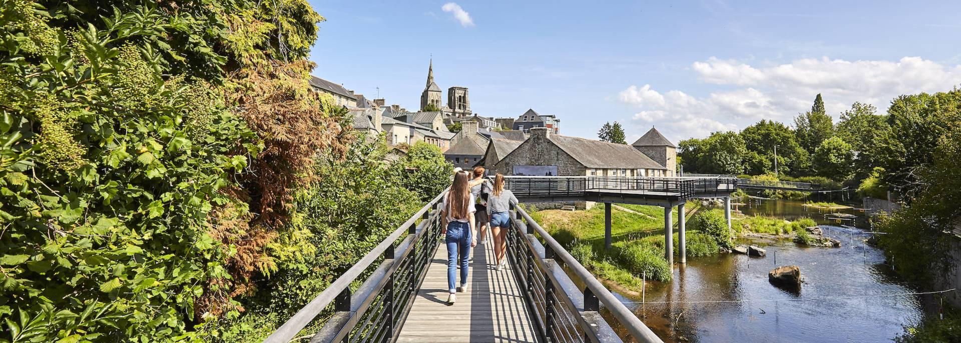 Passerelle à Guingamp ©Alexandre Lamoureux