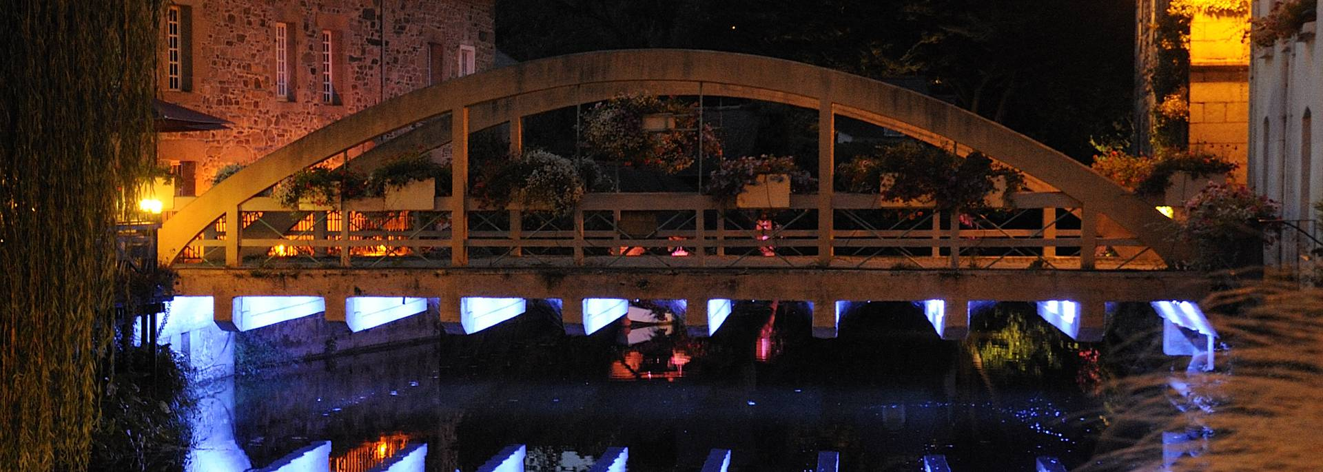 Pont Saint Yves à Pontrieux, sous les lueurs du parcours lumière ©Y. Le Gal