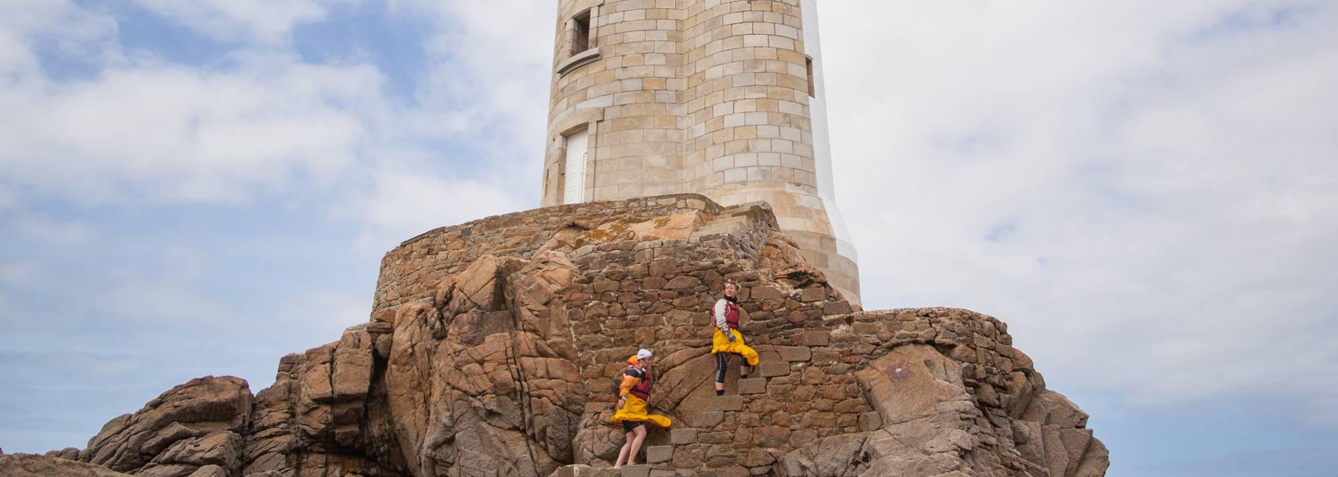 Ascension du Phare de la Croix dans l'archipel de Bréhat ©P. Torset