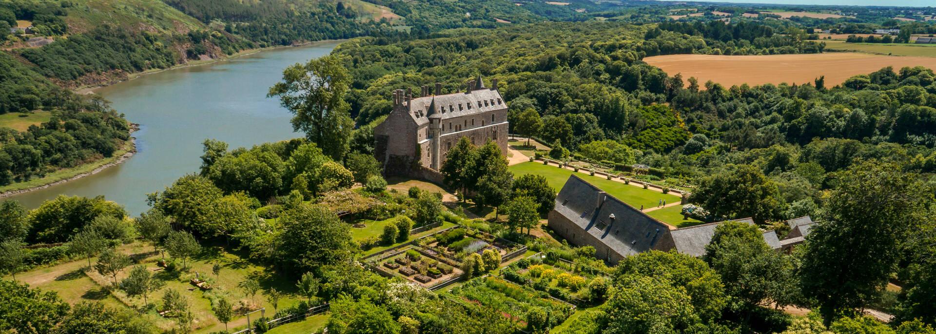 Domaine départemental du Château de La Roche-Jagu ©Chimair