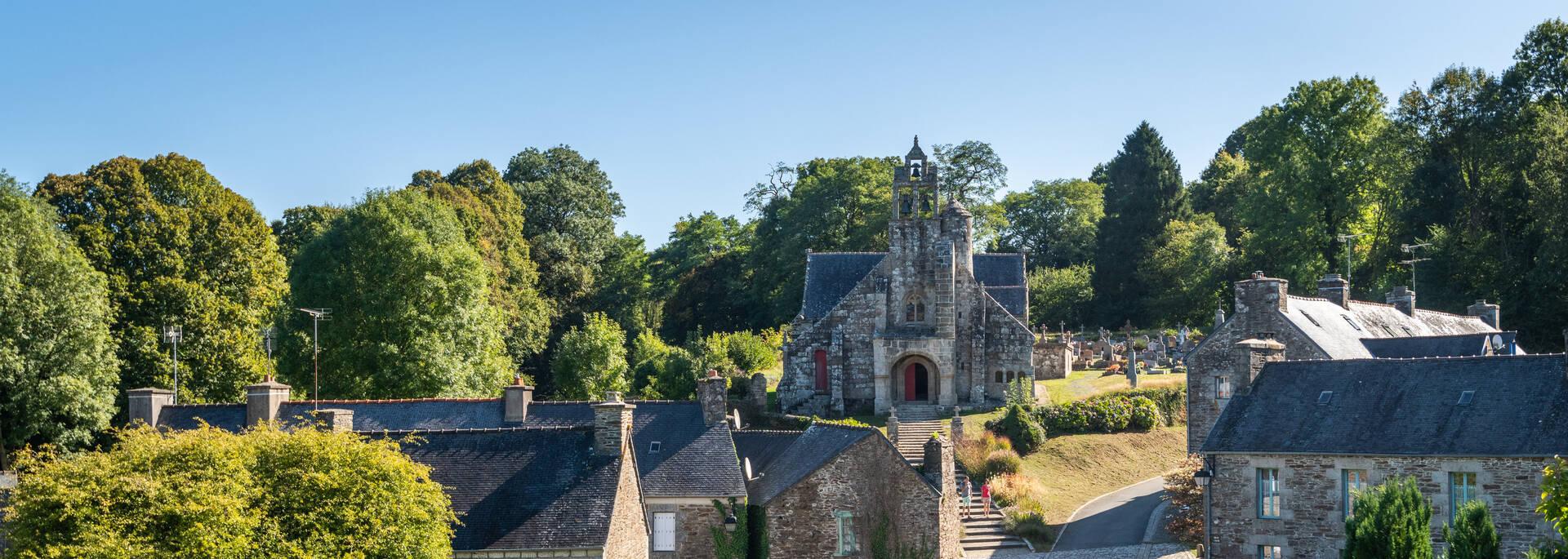Village et église de Loc-Envel ©. Berthier