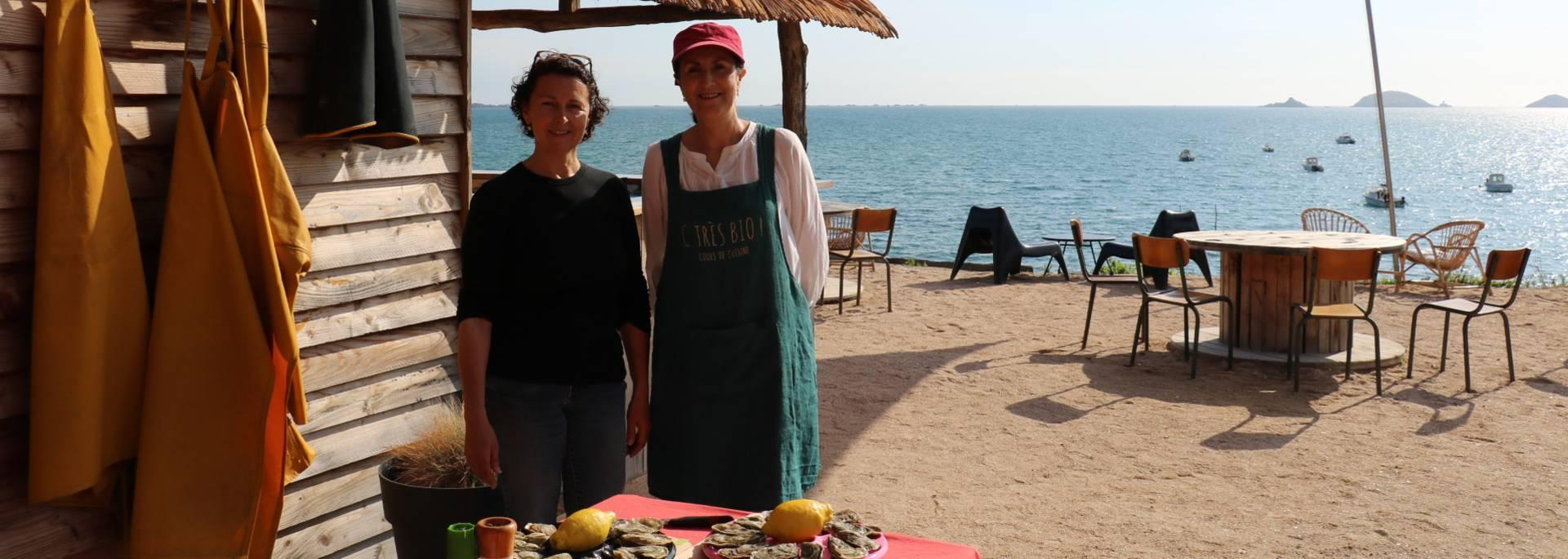 Cécile Arin et Yasmine Ouannoughi en atelier dégustation à la ferme ARIN ©S. Arin