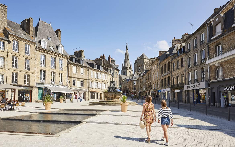 Centre ville et commerces de Guingamp ©A. Lamoureux