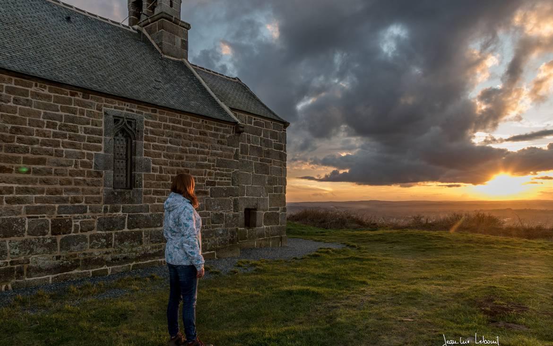 Chapelle St Hervé au sommet du Menez Bré ©J.L. Le Bouil
