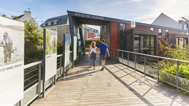 Horaires d'ouverture des bureaux d'information touristique de Guingamp-Baie de Paimpol : Guingamp, Paimpol, Belle-Isle-en-Terre, Pontrieux, Bégard, Callac, Carnoët, Plouézec