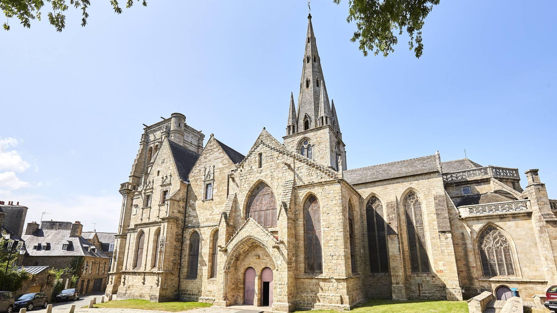Basilique Notre-Dame de Bon-Secours - Guingamp ©Alexandre Lamoureux