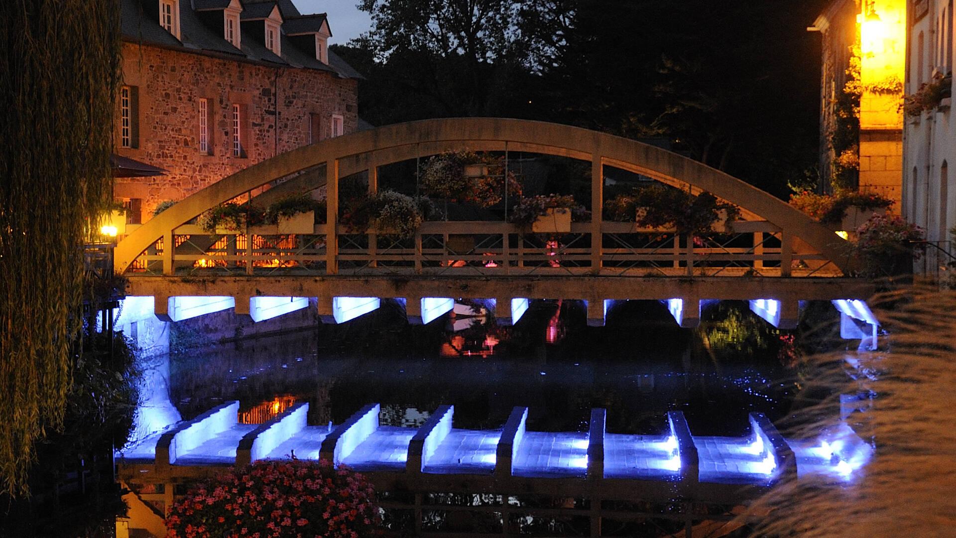 Pont St Yves au cœur de Pontrieux ©Y. Le Gal