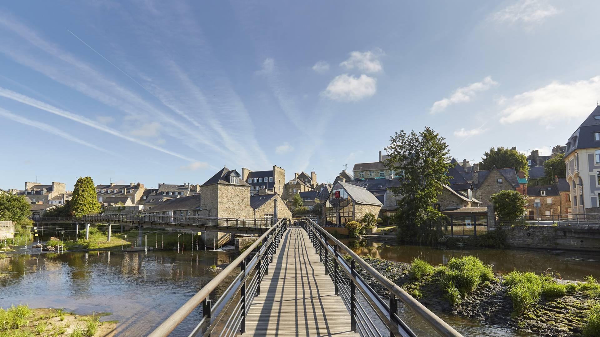 Les passerelles sur le Trieux à Guingamp ©Alexandre Lamoureux