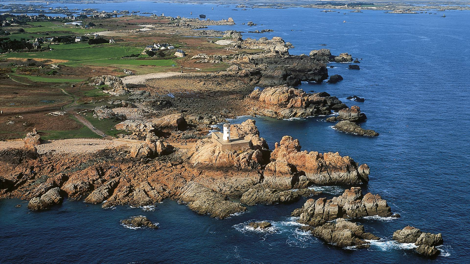 Vue aérienne de l'archipel de Bréhat ©Yannick Le Gal