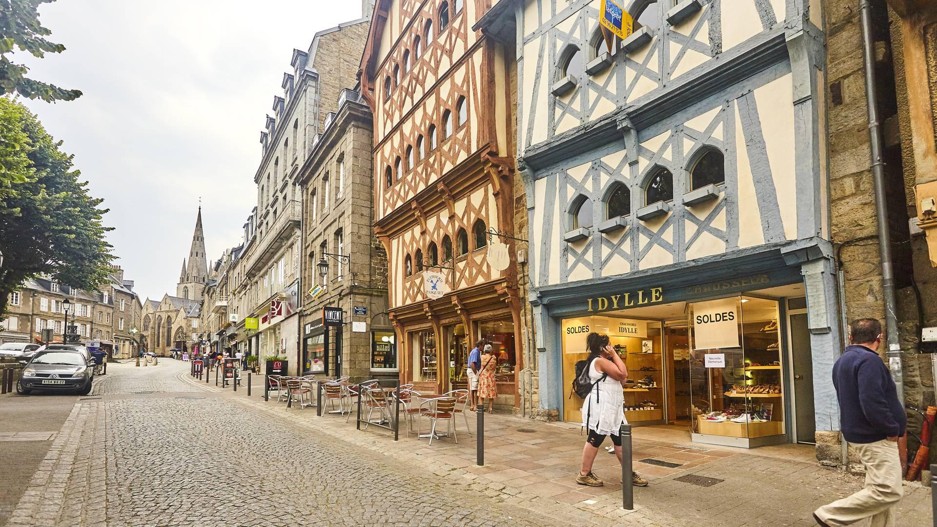 Guingamp, Ville historique, ses rues commerçantes ©A. Lamoureux