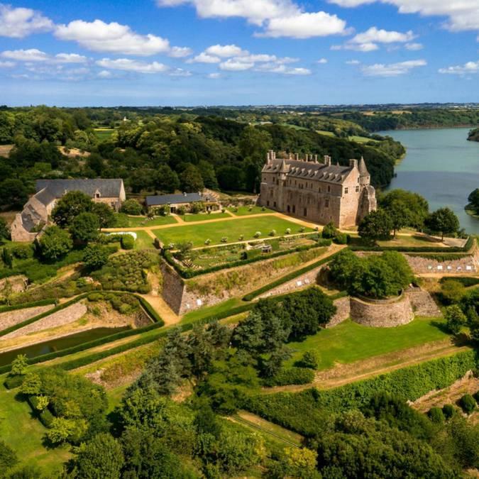 Domaine du château de la Roche-Jagu à Ploézal ©Chimair